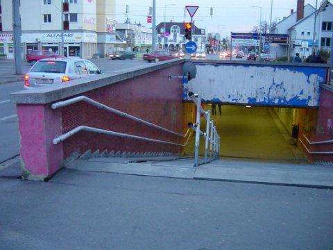 Bike- & skateboard-friendly entrance to a subway in Budapest, Hungary. Credit: Ben Fertig/IAN UMCES.